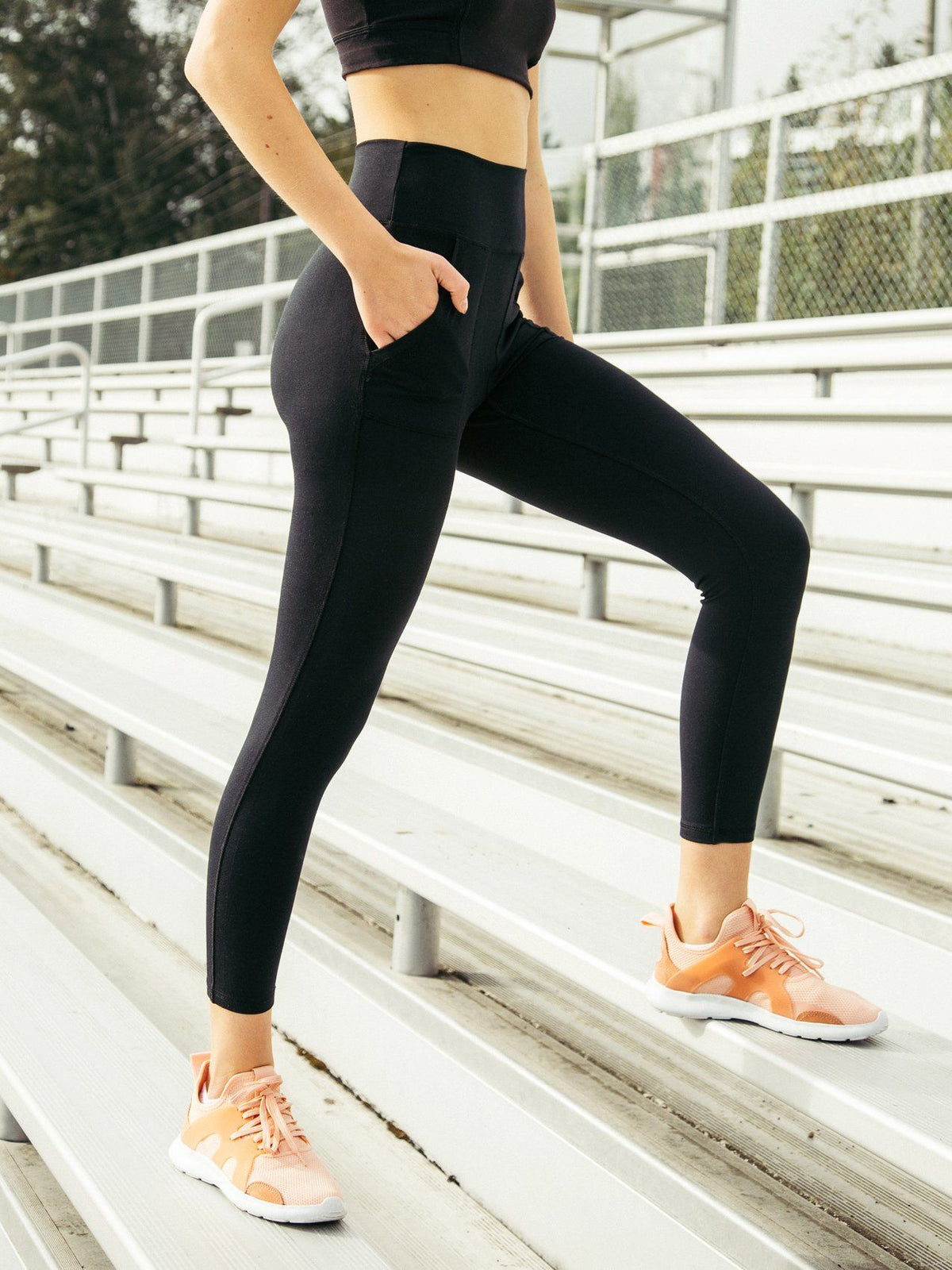 Lilian Legging Pants Thread & Supply Black S