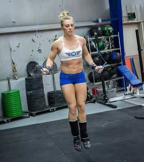 female athlete doing a CrossFit double-under