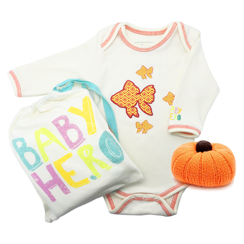 My Little Pumpkin Gift Set - Onesie/Rattle - 100% Organic Cotton, Fair-Trade - Baby Hero - 1