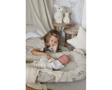 Afbeelding in Gallery-weergave laden, Cotton&Sweets pure nature babynestje natural ruffles