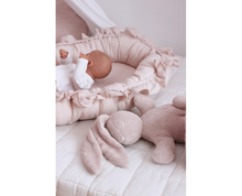 Afbeelding in Gallery-weergave laden, Cotton & Sweets pure nature babynestje powder pink ruffles