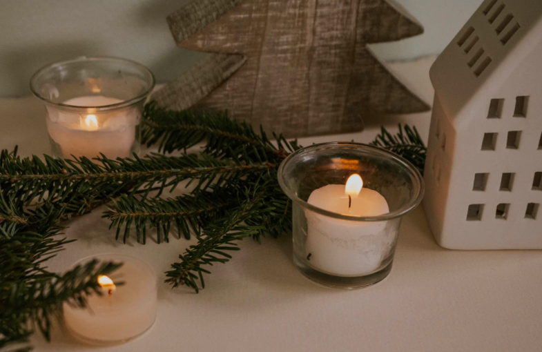 The Benefits of Burning Scented Candles