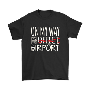 On My Way to the Airport - Men's T-Shirt (black)