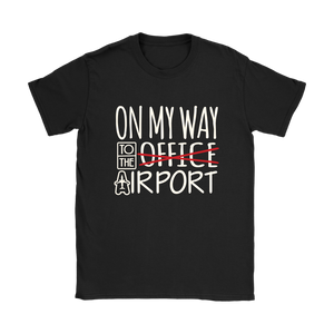 On My Way to the Airport - Women's T-Shirt (black)