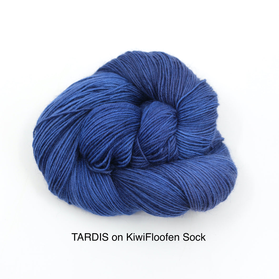 TARDIS (Doctor Who Series)(KiwiFloofen Sock)