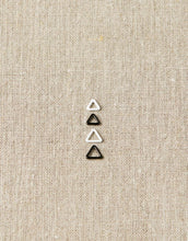 Load image into Gallery viewer, Cocoknits Magnetic Extra Small Triangle Stitch Markers