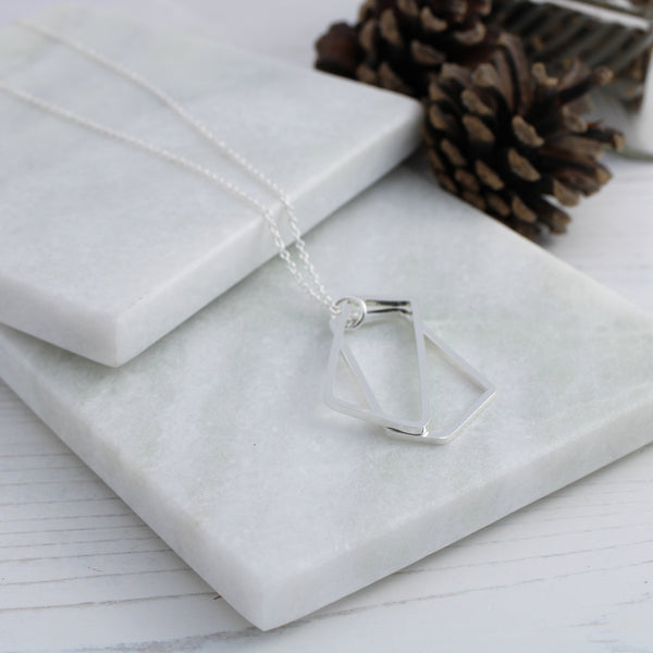 Geometric frames necklace