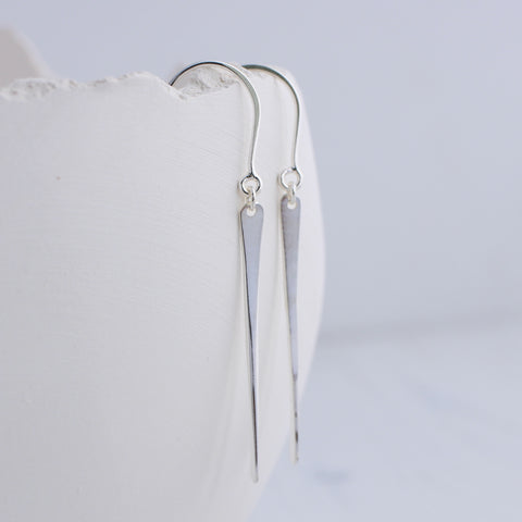 Teardrop minimal dangle earrings