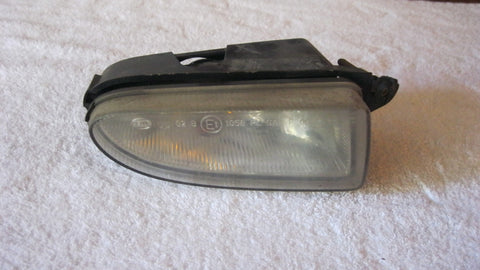 01-05 PT CRUISER PASSENGERS SIDE FOG LIGHT  ---  OEM