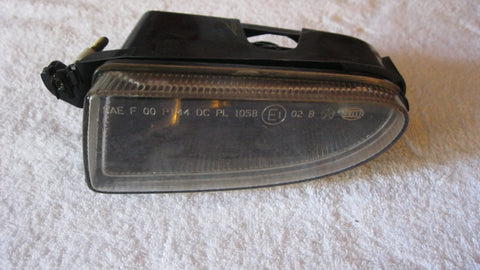 01-05 PT CRUISER DRIVERS SIDE FOG LIGHT  ---  OEM