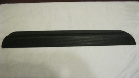 05-08 PT CRUISER CONVERTIBLE DRIVER SIDE  ROCKER PANEL PLASTIC COVER ---BLACK--OEM