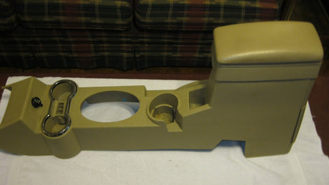 06-10 PT CRUISER CONSOLE --- TAN IN COLOR --- OEM