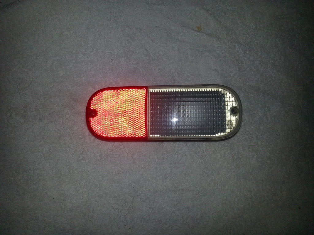 01-05 PT CRUISER DRIVER SIDE REAR BACK UP LIGHT--OEM