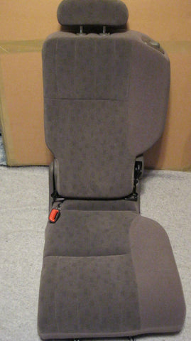 01-05 PT CRUISER DRIVERS SIDE REAR SEAT---CLOTH-- GRAY IN COLOR -- OEM