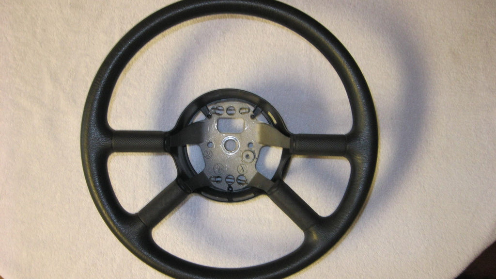 01-05 PT CRUISER STEERING WHEEL -- WITH CRUISE -- BLACK IN COLOR -- OEM