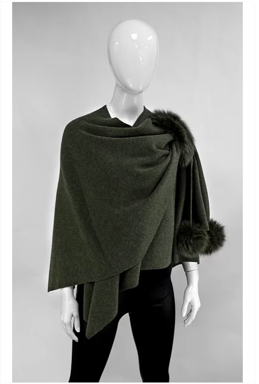 Hunter Green  Wrap with Poms