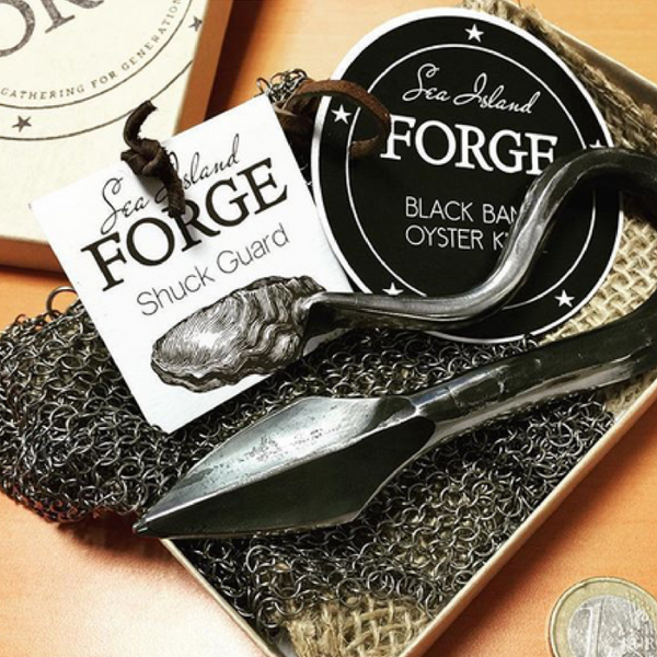 Black Banks Oyster Knife & Shuck Guard