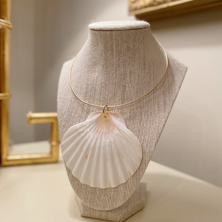 Holly Shae Large Scallop On 14k Gold Filled Neck Wire