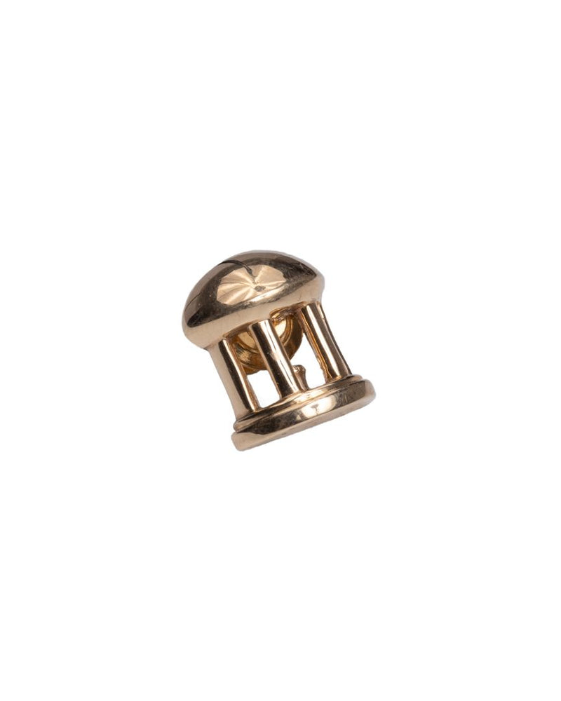Old Well Lapel Pin Yellow Gold
