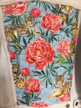 Load image into Gallery viewer, Levi's denim jacket, Tigers and Peonies design
