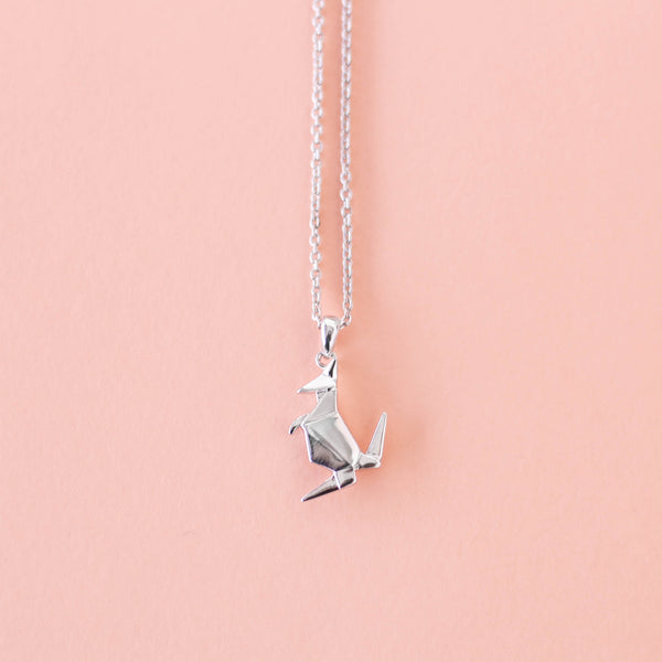 Kangaroo-Necklace-Bowerbird