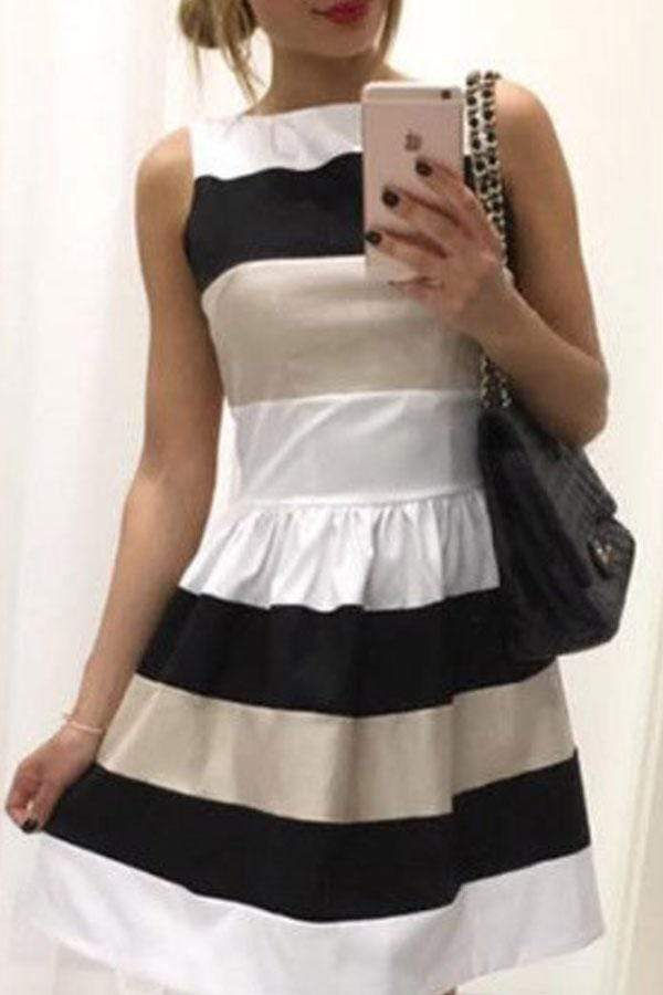 Round Neck  Belt  Color Block  Sleeveless Skater Dresses
