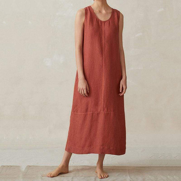 A Long Sleeveless Round Collar Dress In Plain Color