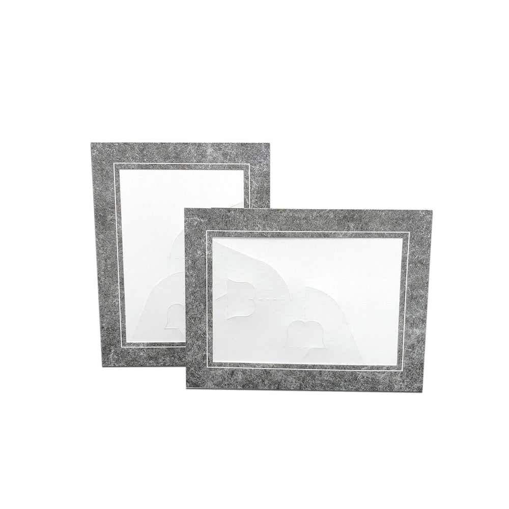 Marble Chicago Easel Series frames in horizontal or vertical orientation