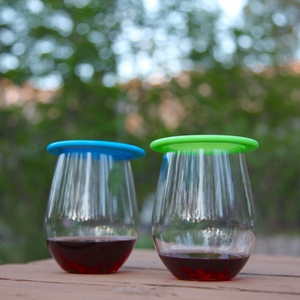 wine glasses with lids