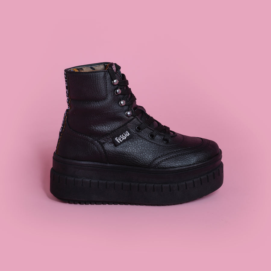 Funky Boot Black