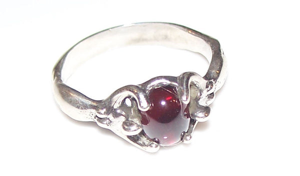 ISIS EGYPTIAN Moon GODDESS Ring in .925 Sterling Silver w/ Natural Garnet gemstone - EARTH DREAMER Ring