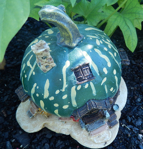 Enchanted Fairy Garden Green Pumpkin - Mini Faery Pumpkin Gourd House for Yard or Home Decor Figurine