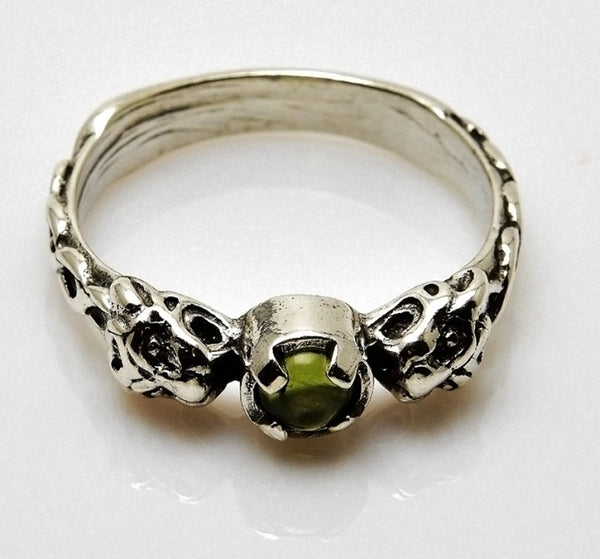 LION Ring in .925 Sterling Silver w/ natural Peridot gem - Two-headed Medieval LION GODDESS ISHTAR Ring