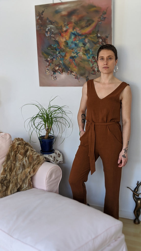 Eve Gravel Clothing Montreal SS2021 Owl Moon Jumpsuit Long Legged Full Body Jumpsuit with Sleeveless V-Neck V-Back Cut-Out Removable Belt. Eco-Friendly Sustainable Basics. Slow Ethical Fashion. Canadian Design. Made in Montreal Canada. Free Shipping in Canada. Victoire Boutique Ottawa.