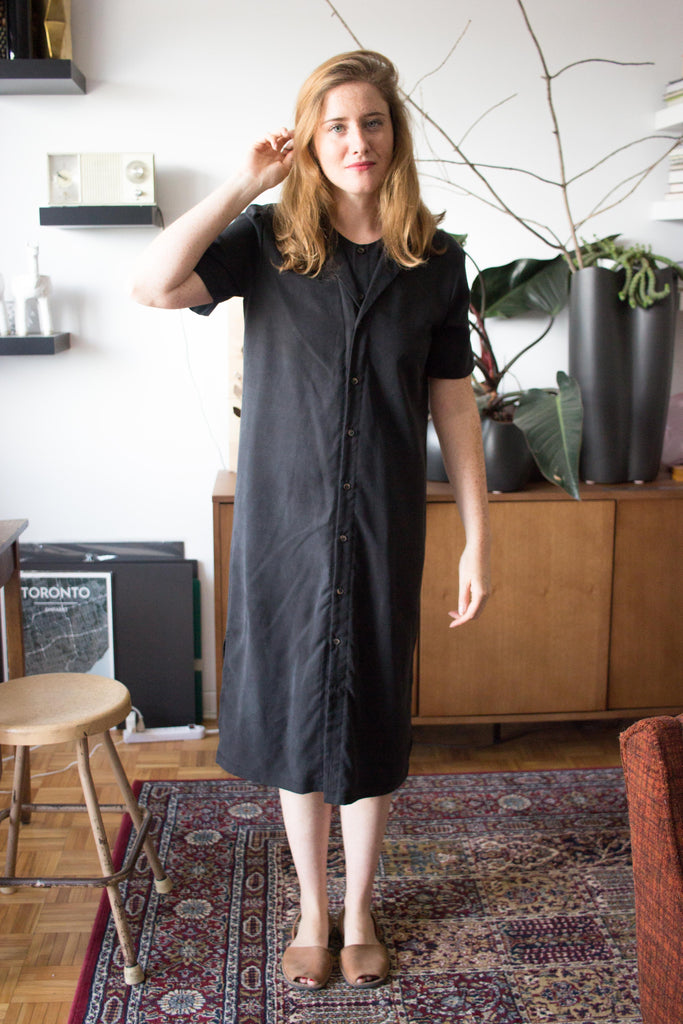 Veri Clothing Montreal Theresa Dress Black Button Front Shirt Dress Tencel Dress Collared Minimalist Shirt Made in Montreal Victoire Boutique Canadian Designer Ethical Fashion Sustainable Fashion Eco Friendly Clothing Gender Fluid Clothing