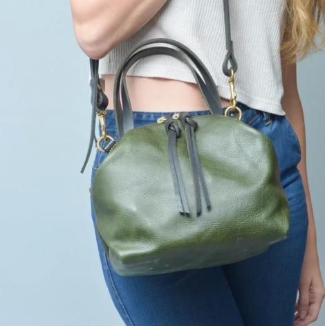 Eleven thirty shop Katie Bag Large Olive Green Leather Shoulder Bag Carry All Purse Made in Canada Canadian Leather Goods Zero Waste Leather Bag Sustainable Fashion Slow Fashion Victoire Boutique