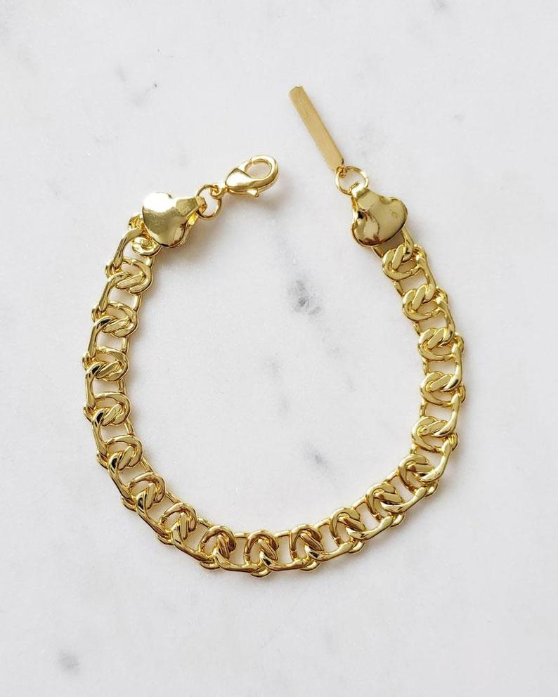 CoutuKitsch Jewelry Calgary Alberta Caspian Bracelet. Gold Plated Curb Chain Bracelet with Lobster Clasp Closure.