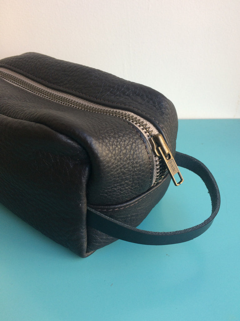 Erin Templeton Leather Vancouver Dopp Kit Small Black Leather makeup bag Canadian Design Victoire Boutique