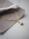 FAIR Jewelry Canada British Columbia Love Note Bracelet Gold Minimalist Simple Chain Bracelet Gold Heart Charm.
