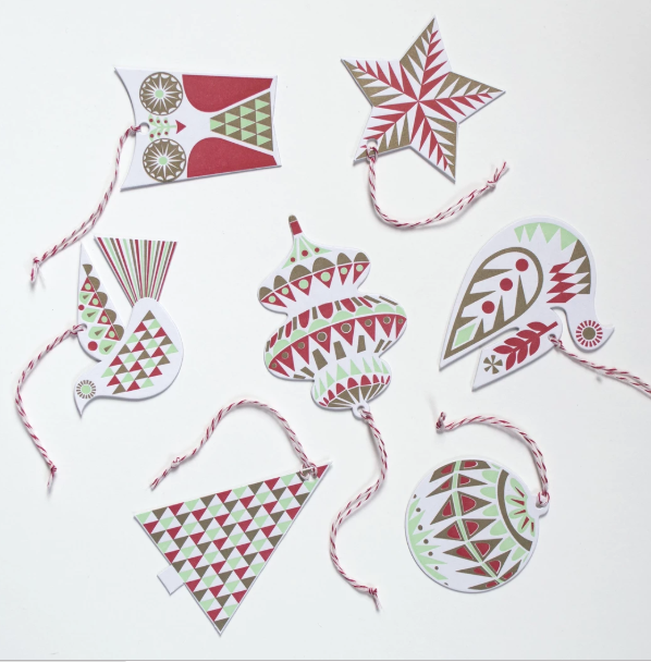 Banquet Holiday Garland Gift Ornament Tags