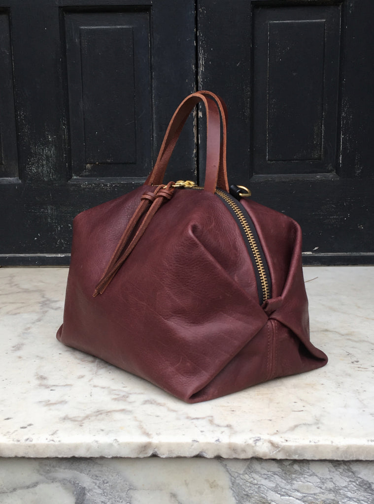 Eleven Thirty Shop Toronto Leather Bags Canadian Leather Bags Katie XL Bordeaux Leather X-Large Katie Bag Burgundy Carry All Purse Leather Overnight Bag Made in Toronto Canadian Fashion Victoire Boutique