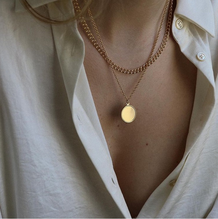 Lisbeth Laurence Necklace curb chain layering delicate minimalist classic simple made in Canada Victoire Boutique Ottawa