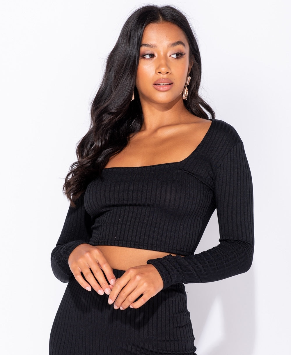 Rib Knit Scoop Neck Long Sleeve Crop Top