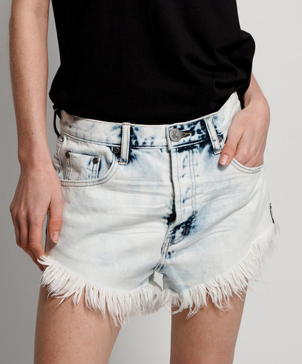 Outlaws Mid Length Shorts in Classic