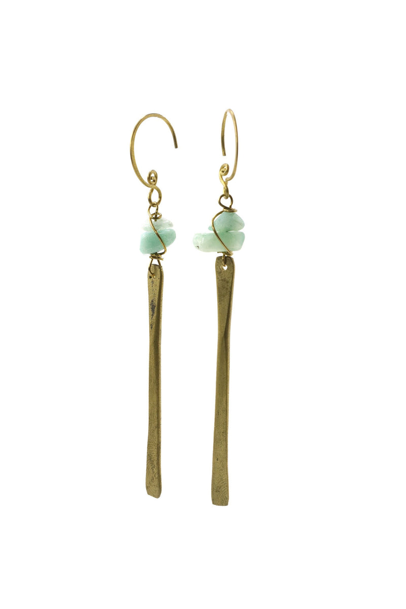 These handmade brass, bar earrings feature aquamarine gemstone chips. This product is handmade and fairtrade in Thailand.