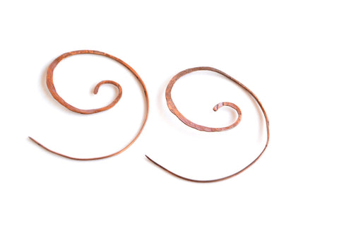 Hammered Swirl Copper Earrings - Filosophy