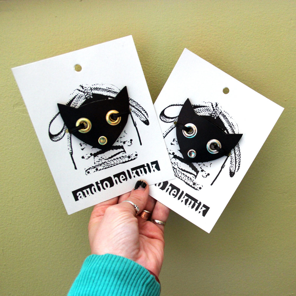 Cat face shoe plates, with packaging