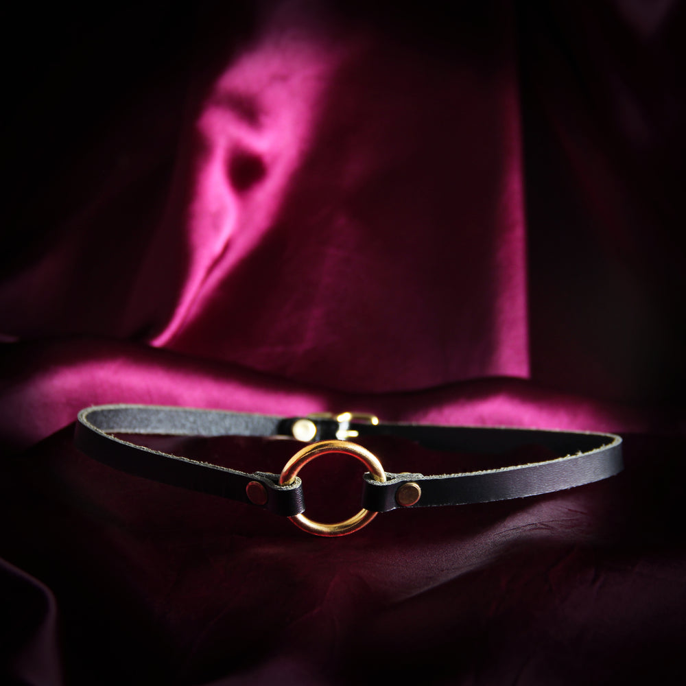Black Mini O-Ring Choker -- Brass