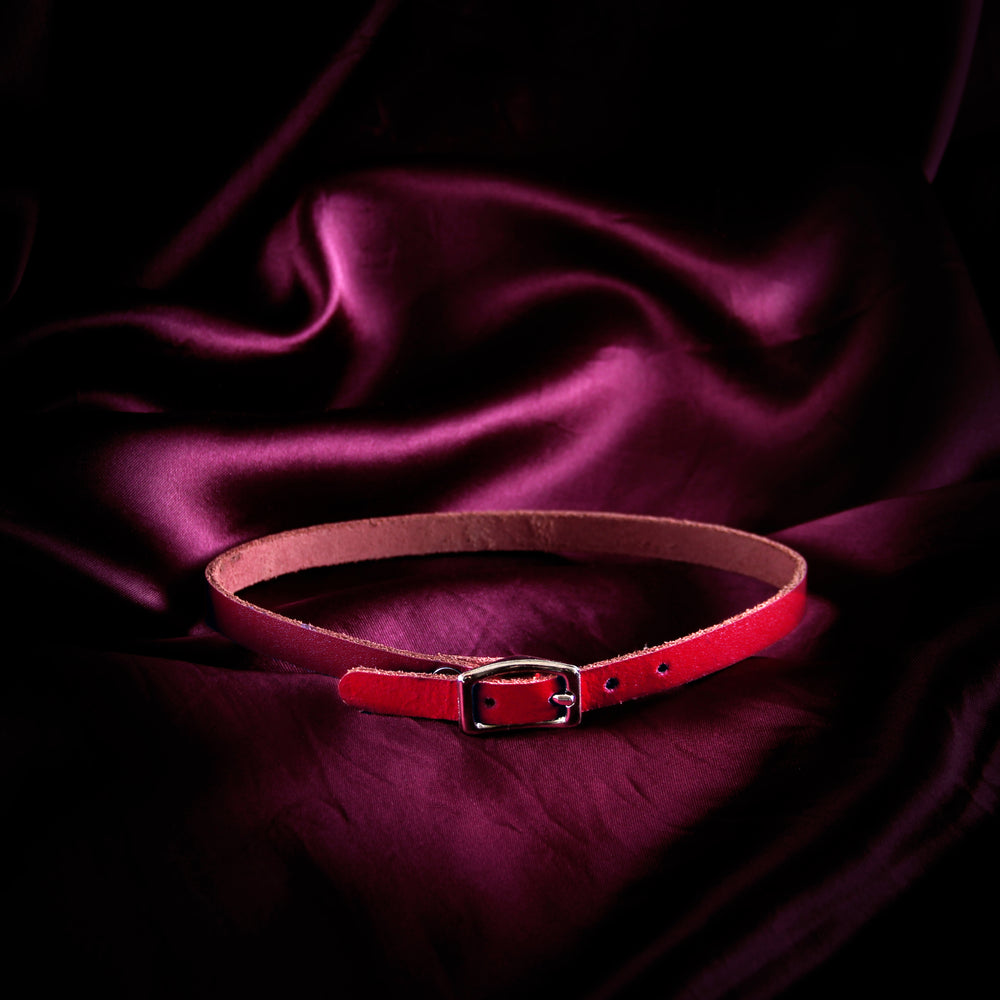 Red Mini Basic Buckle Choker