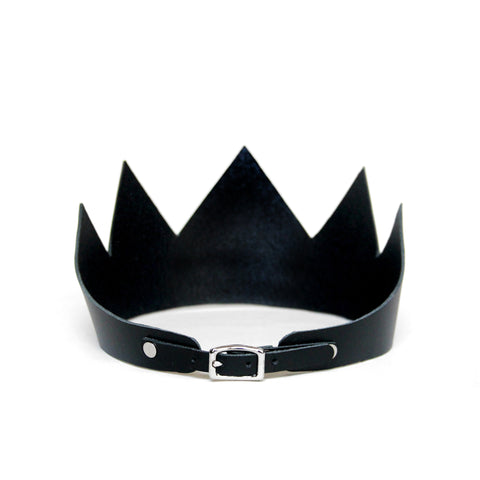 Black leather crown short, back view
